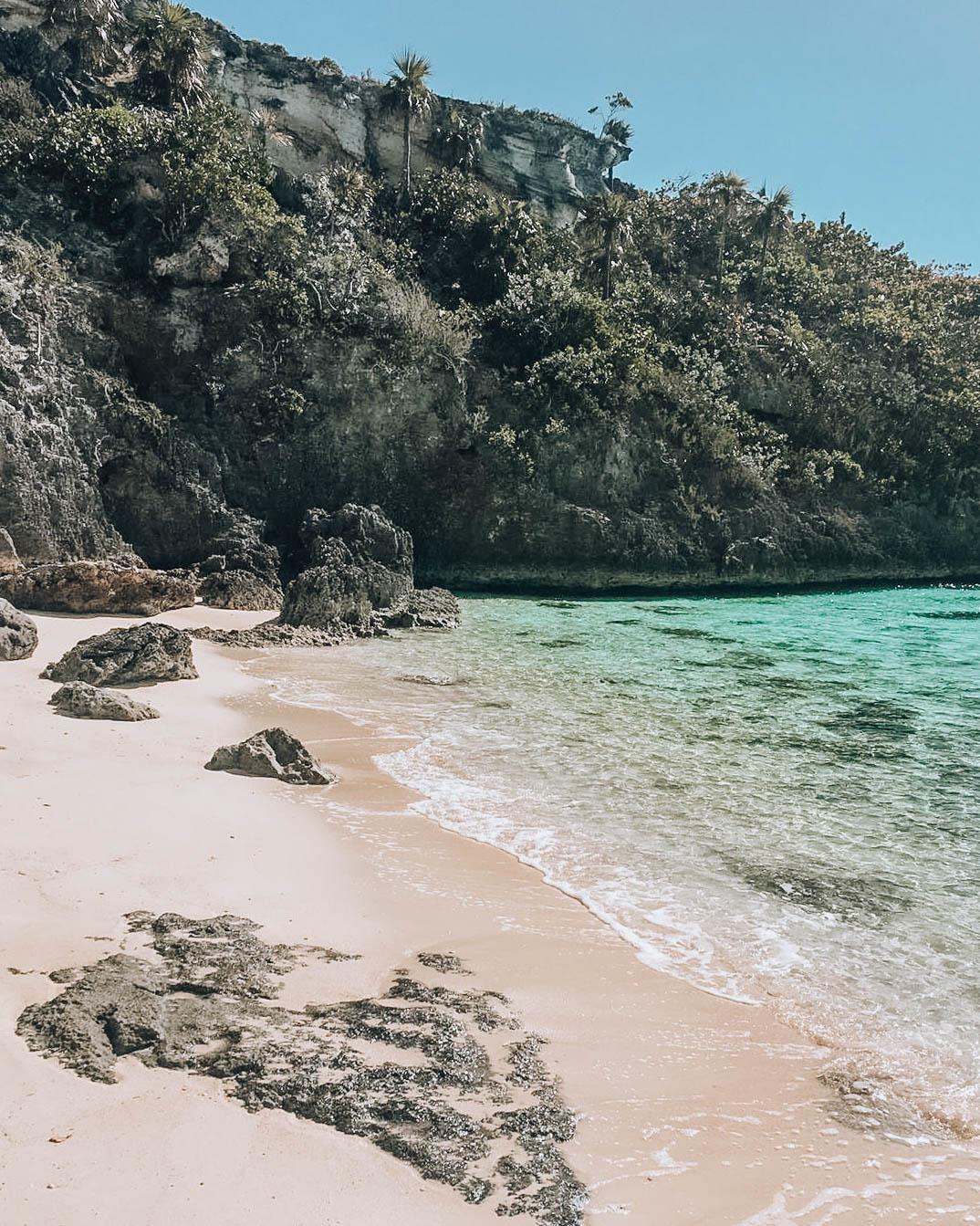 angolo di spiaggia tropicale