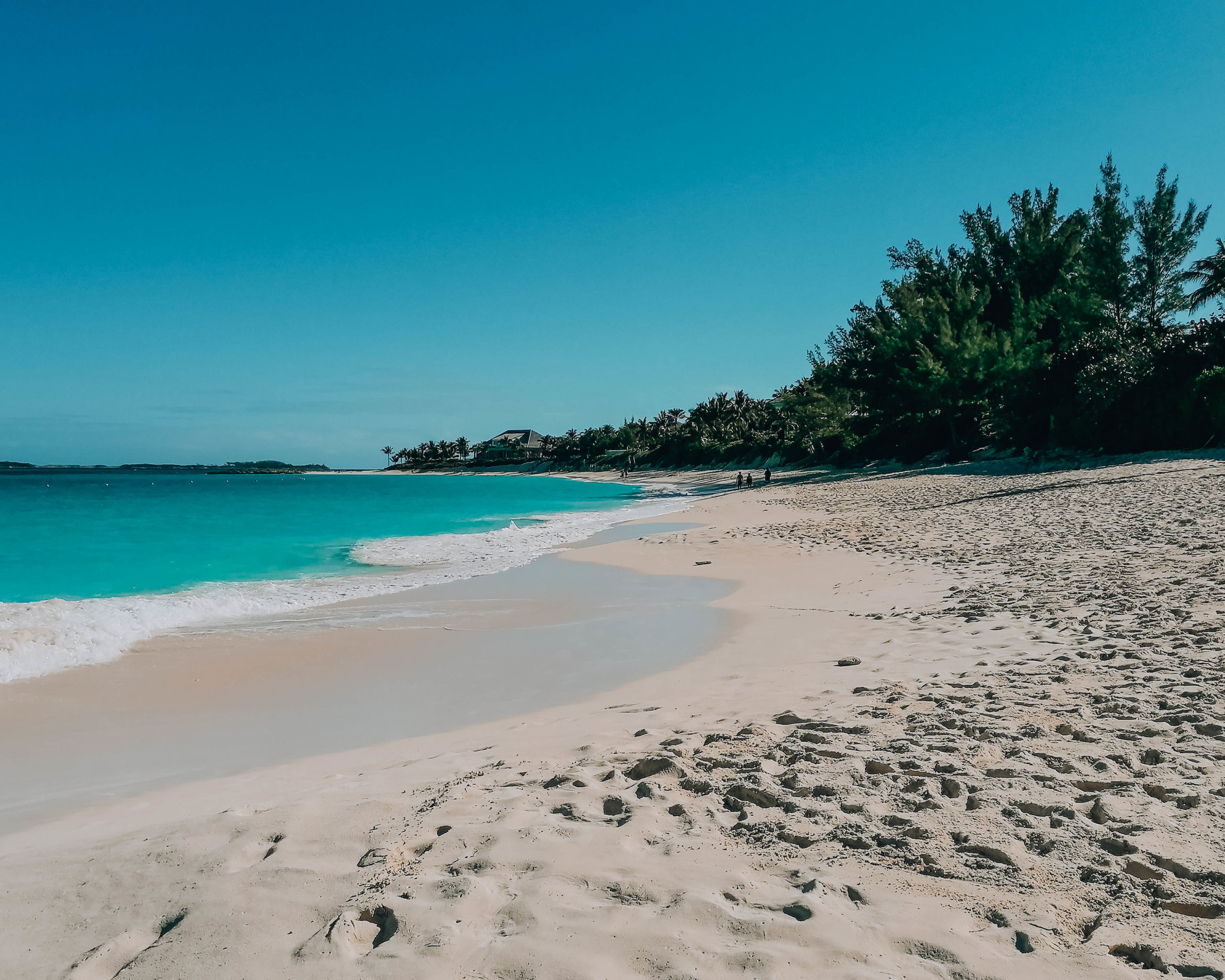 spiaggia bianca e mare cristallino