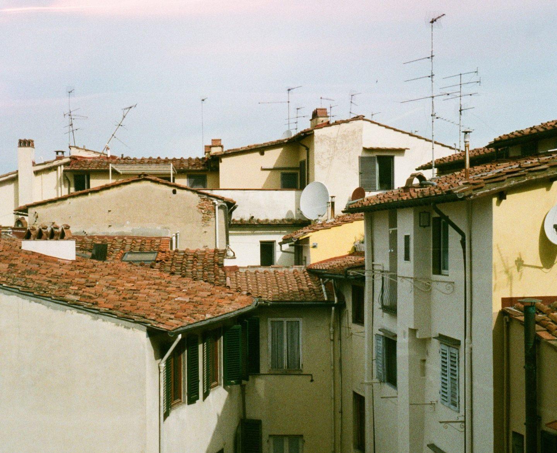 vista su tetti di case