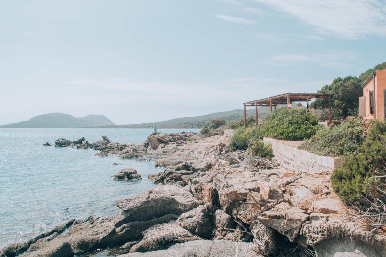 scorcio di isola selvaggia