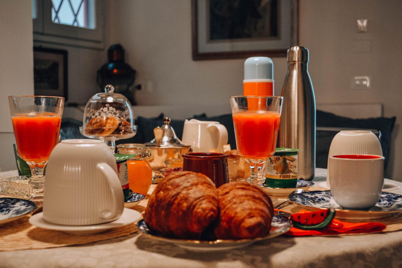 dettaglio di colazione imbandita